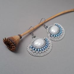 kolczyki,wachlarze,haft koralikowy,białe - Kolczyki - Biżuteria