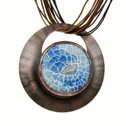 Niebieski trawiony agat w miedzianej oprawie - Naszyjniki - Biżuteria