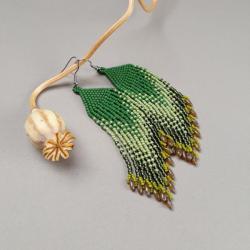 kolczyki cieniowane,z frędzlami,zielone,beading, - Kolczyki - Biżuteria